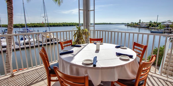 Romantic Dining For Valentines Day On Fort Myers Beach Visit Fort